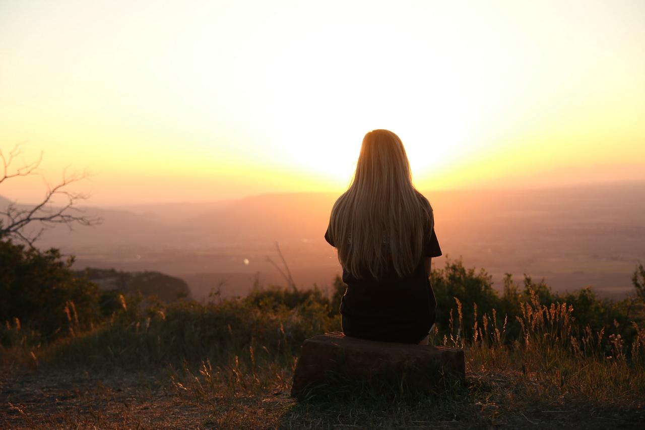 Стихом красивой, картинки с одинокими девушками