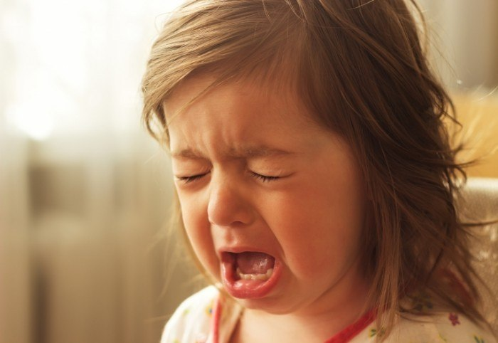 Детские истерики, буллинг и вранье: как себя вести, чтобы не затрясло
