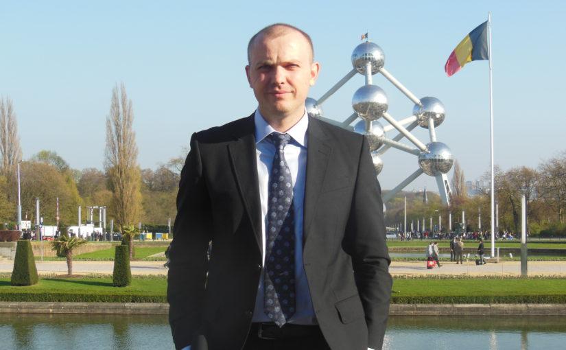 Алексей Ульянов, управляющий партнер языковой школы «Light»: «Мы показываем, что обучение может быть не скучным, а интересным и увлекательным»
